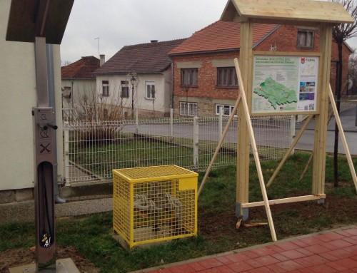 Postavljen solarni stup – mjesto za popravljanje bicikala