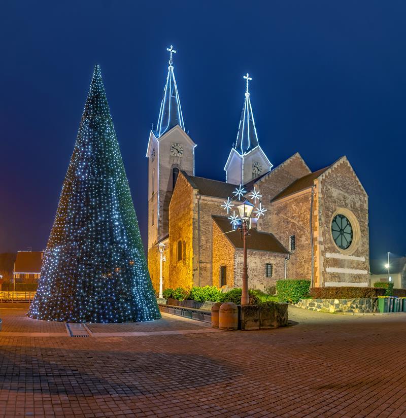 Grad Čazma u božićnom ruhu